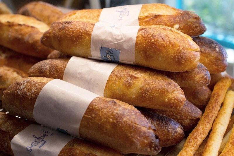ミルクフランス、カヌレが焼き上がっています(2019.07.09)