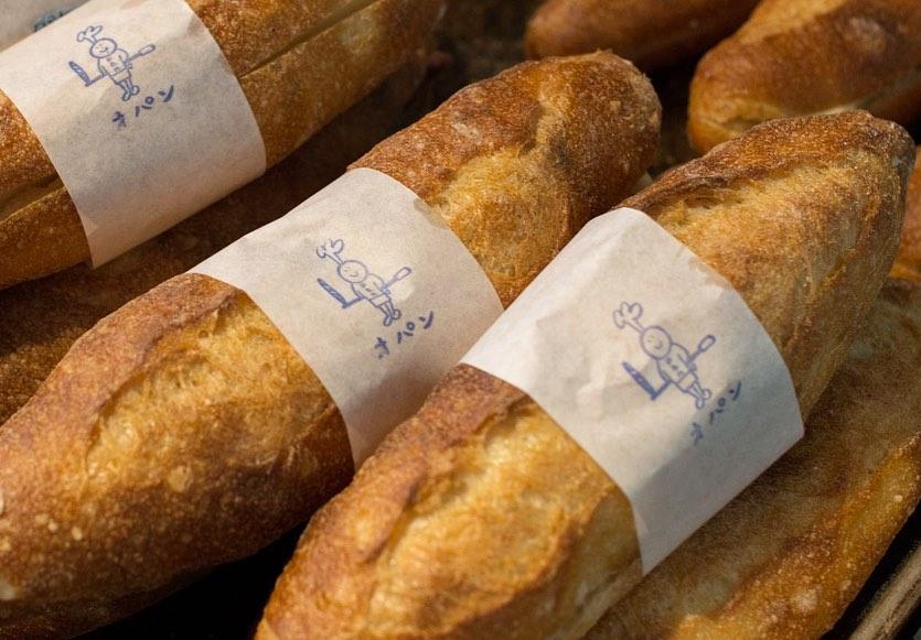 カヌレ、ブラウニー、ミルクフランスが焼き上がっております(2019.08.04)