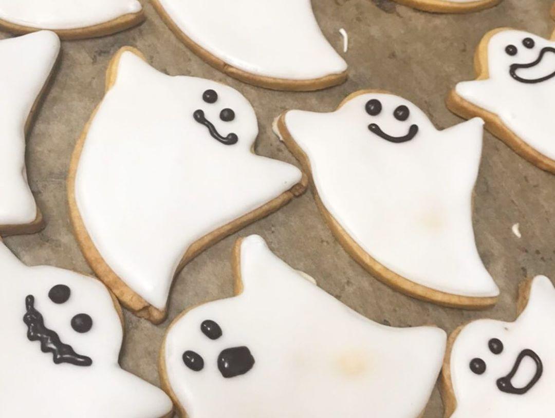 本日はハロウィンです、ご来店いただきましたお子様にクッキーを差し上げています(2019.10.31)