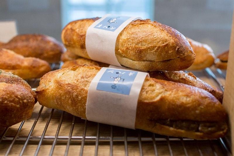 ミルクフランス、ブラウニー、カレンズのスコーンが焼き上がっております(2019.11.03)